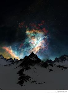 56- aurora boreale sulla montagna